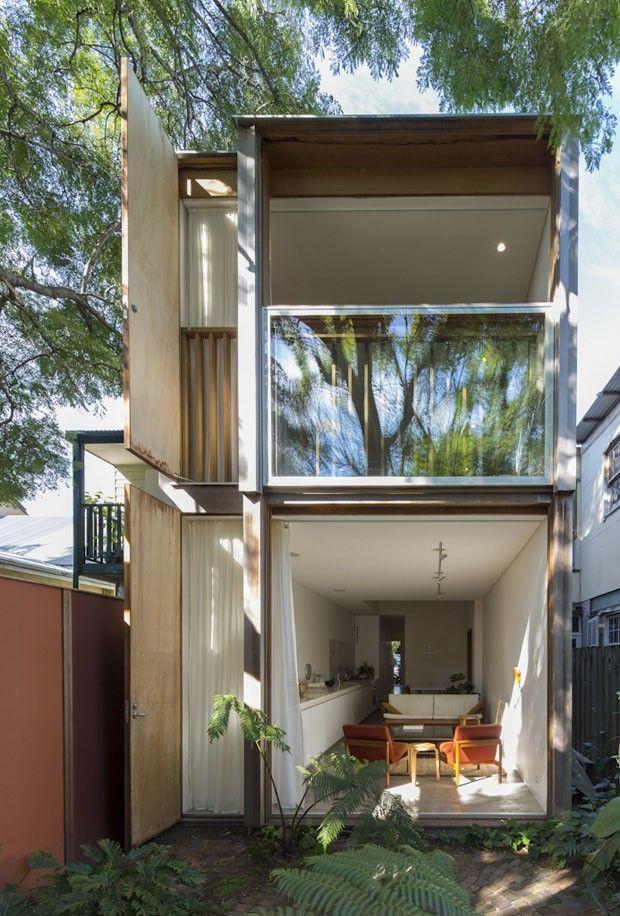 50 fachadas de casas estreitas inspiradoras for Casas de container modernas