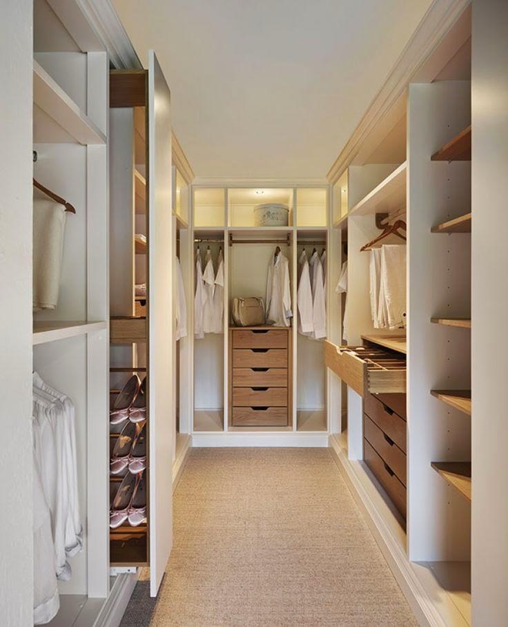 Se puder faça um corredor com os dois lados de armário.