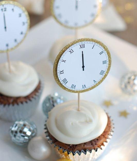 Plaquinha para decorar cupcake para festa de Reveillon