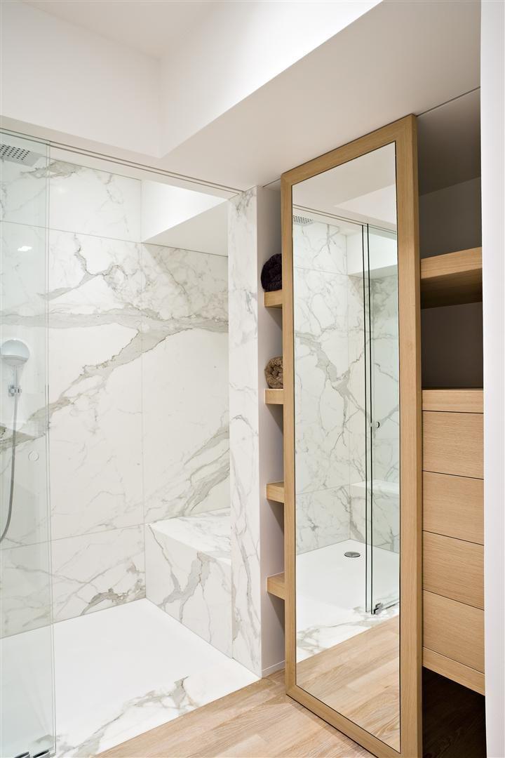M rmore carrara 53 modelos de ambientes inspiradores for Porcelanato color marmol