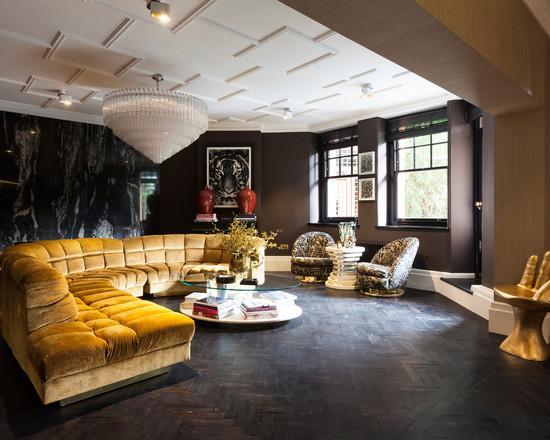O sofá de veludo sempre deixa o ambiente com mais requinte.
