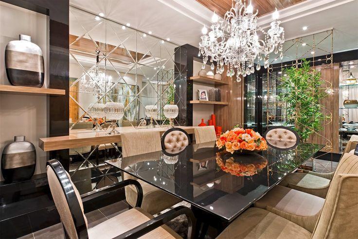 Sala De Jantar Westing ~ Imagem 40 – Sala de jantar com espelho com acabamento preto