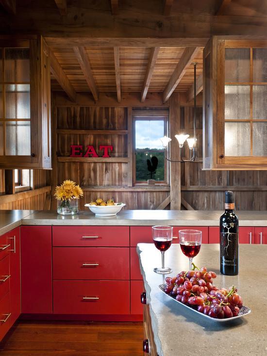 Para quem quer um estilo rústico pode investir nessa mistura do vermelho e madeira de demolição