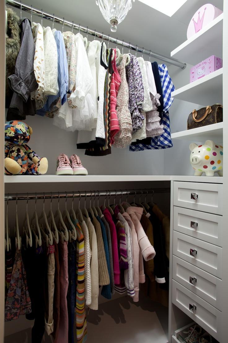 No closet para as crianças sempre é preciso um espaço para guardar os seus objetos preferidos.