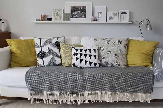 50 mantas para sof s que v o inspirar a sua decora o for Manta no sofa como usar