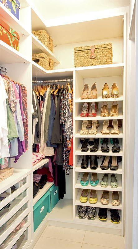 85 closets pequenos inspiradores solu es e ideias for Modelo closet para habitaciones