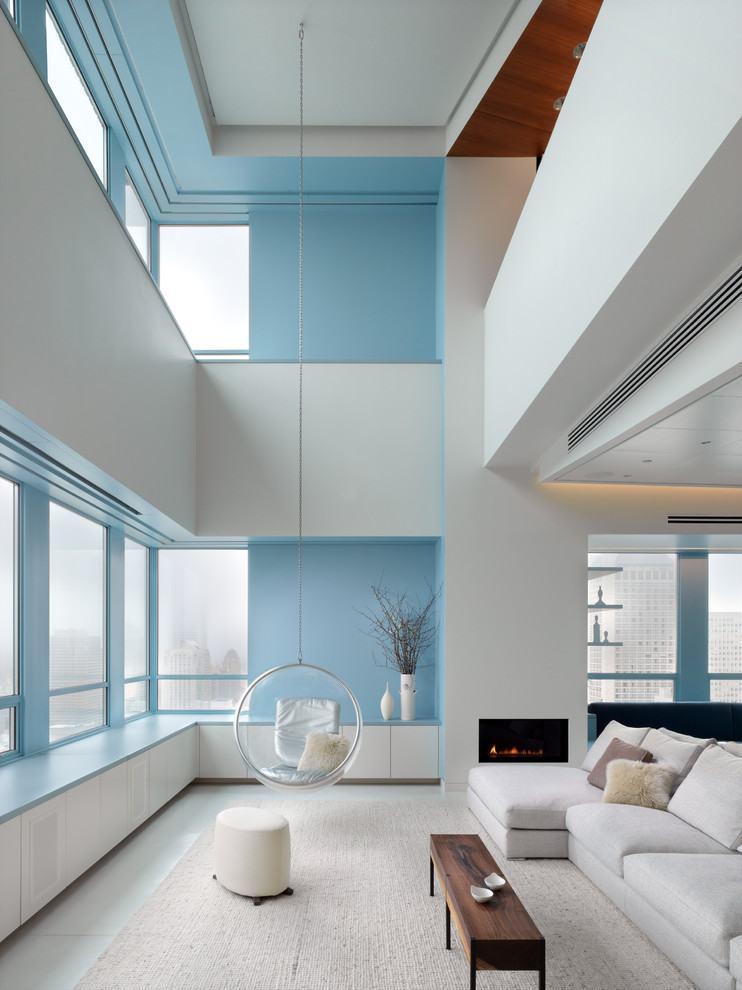 Combine branco com o azul claro.