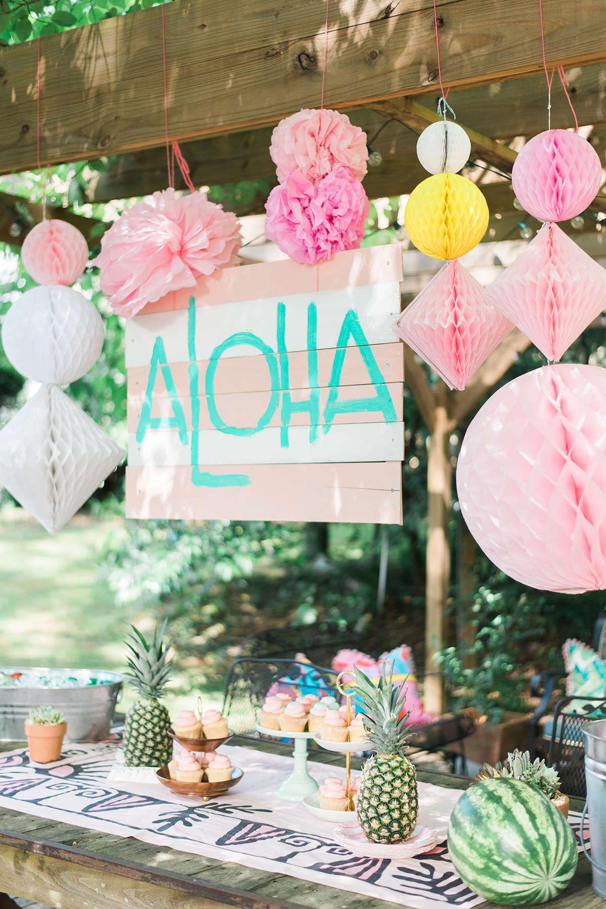 70 ideias de decora o para festa havaiana incr vel. Black Bedroom Furniture Sets. Home Design Ideas