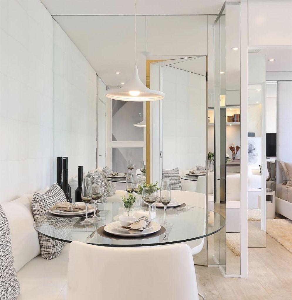 70 Salas de Jantar Pequenas Lindas e Inspiradoras -> Decoração De Sala De Jantar Pequena Com Espelho