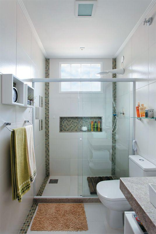 50 Banheiros Decorados com Pastilhas (melhores fotos!) -> Nicho Para Box Banheiro Pequeno