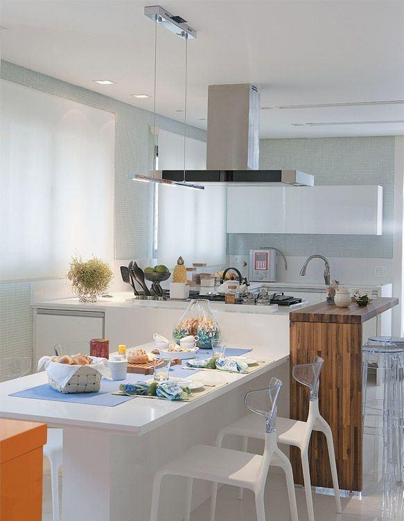 A sala de jantar pode ser um ambiente de refeição dentro da cozinha também.