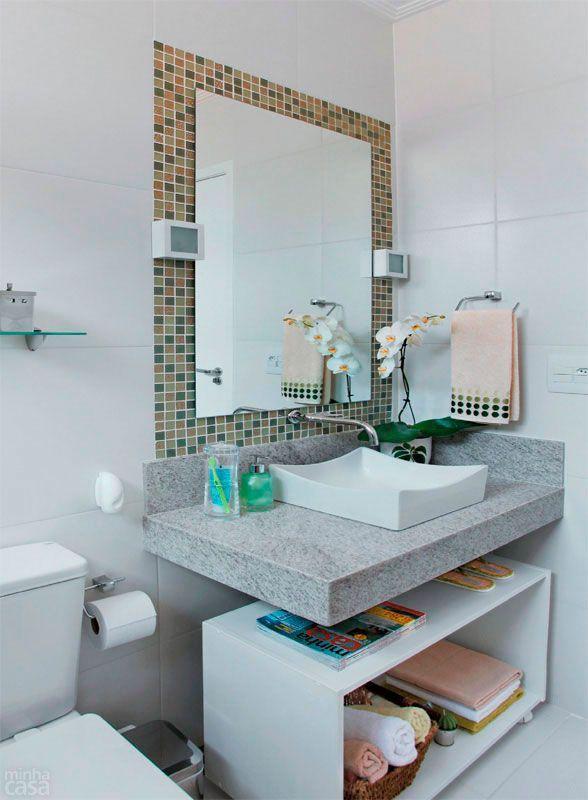 50 Banheiros Decorados com Pastilhas (melhores fotos!) -> Banheiro Com Faixa De Pastilha Preta