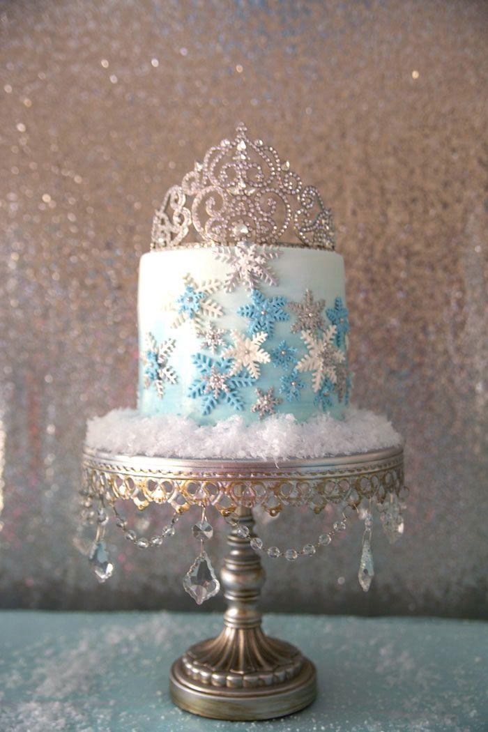 Modelo de bolo chic, elegante e glamoroso.