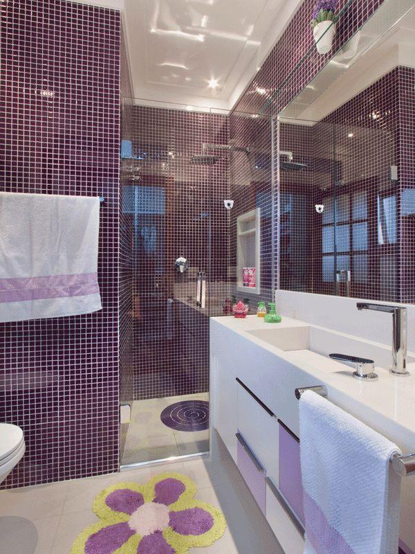50 Banheiros Coloridos Lindos e Inspiradores  Fotos -> Banheiro Com Pastilhas De Vidro Laranja