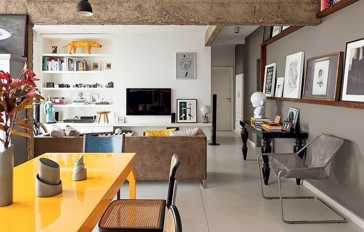 Sala De Tv Cinza E Branco ~ Imagem 27 – A parede cinza quebrou com o ar sério da sala