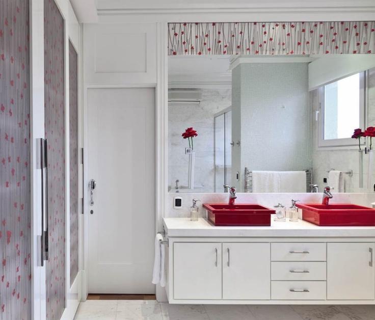 60 Banheiros Vermelhos Lindos para se Inspirar -> Pia De Banheiro Feminino