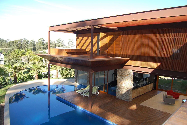 Piscina moderna para uma varanda residencial
