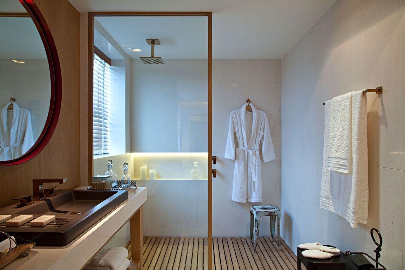 Crie um cenário zen mesmo em um banheiro de apartamento.