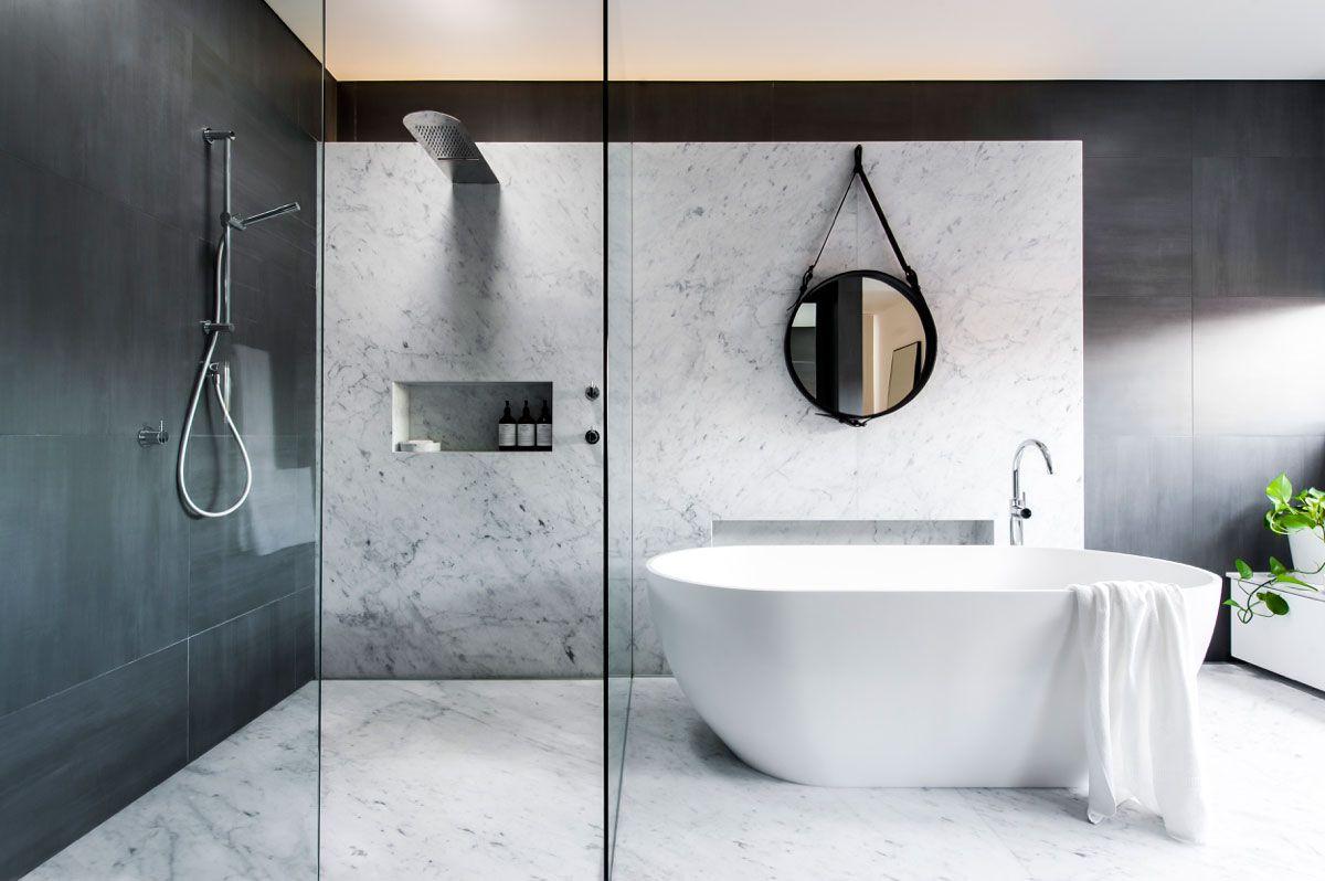 O banheiro contemporâneo ganha mais força com o uso do minimalismo.