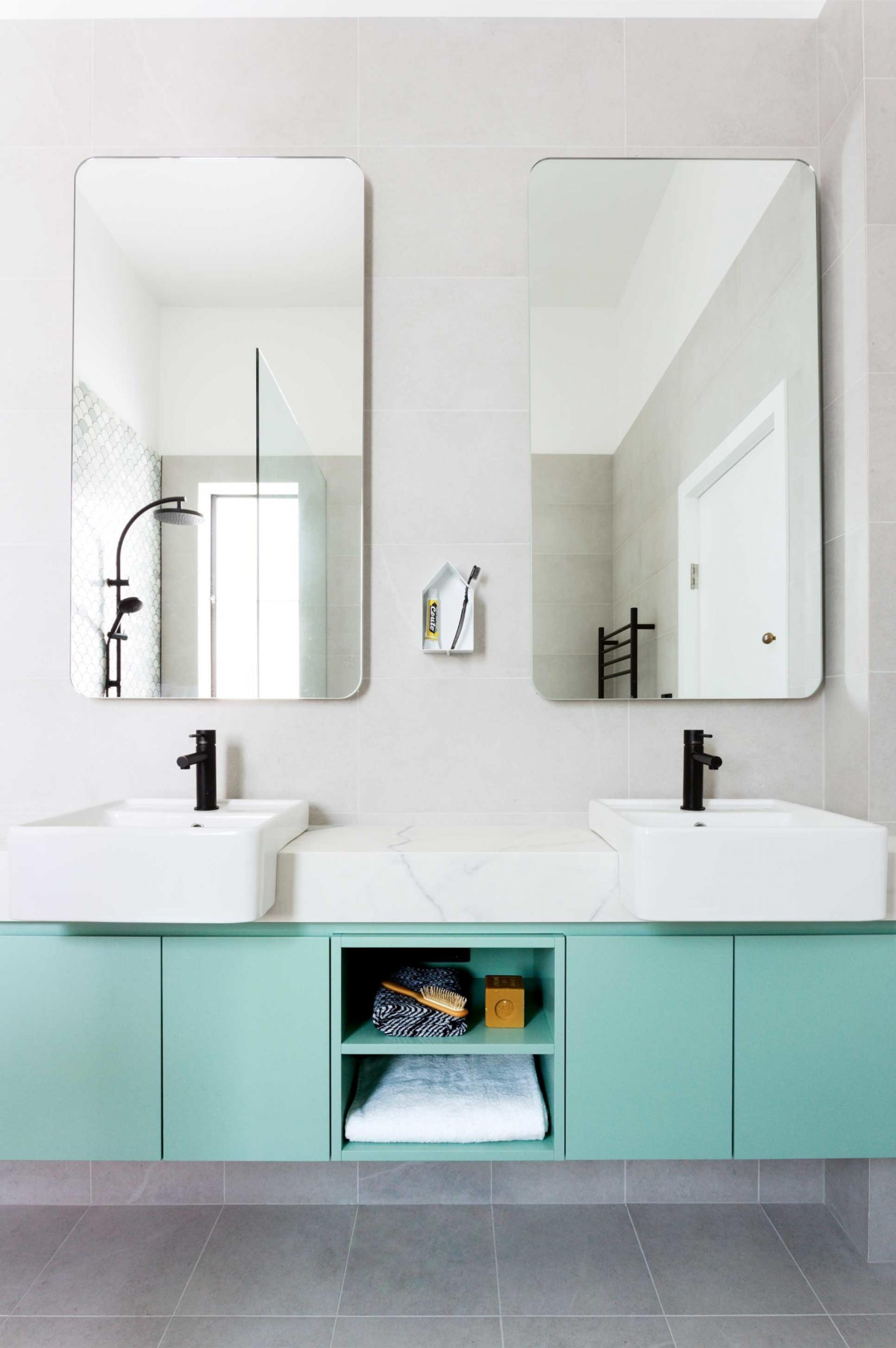 Cheio de charme para deixar o banheiro colorido!
