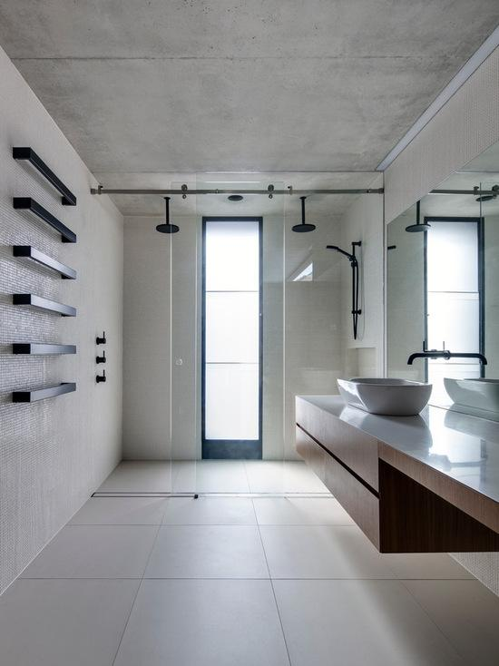 Banheiro moderno amplo e minimalista!