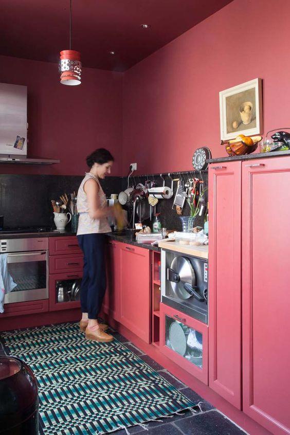 Cozinha preto e rosa