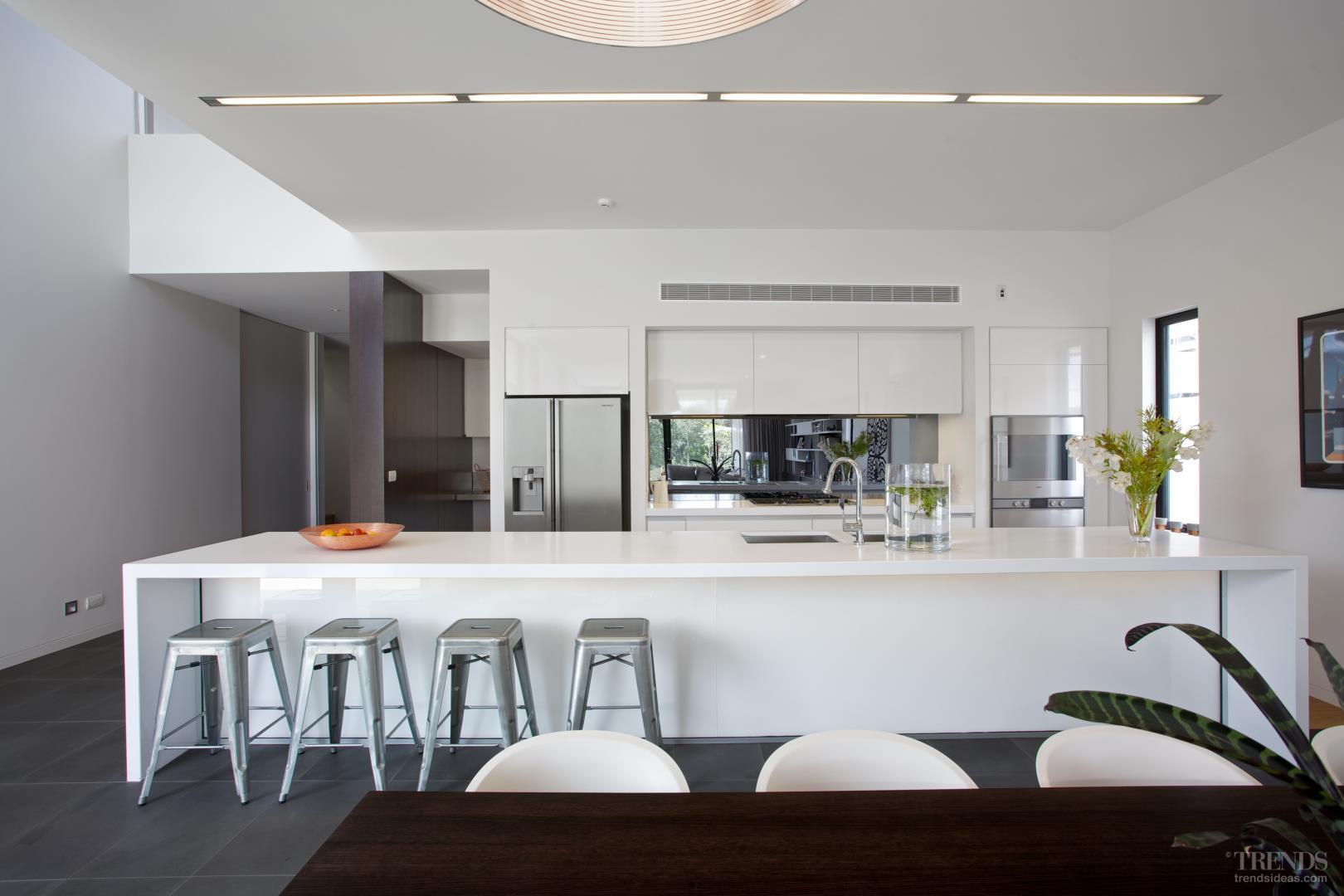 60 cozinhas com espelhos decoradas fotos lindas for Federation kitchen designs