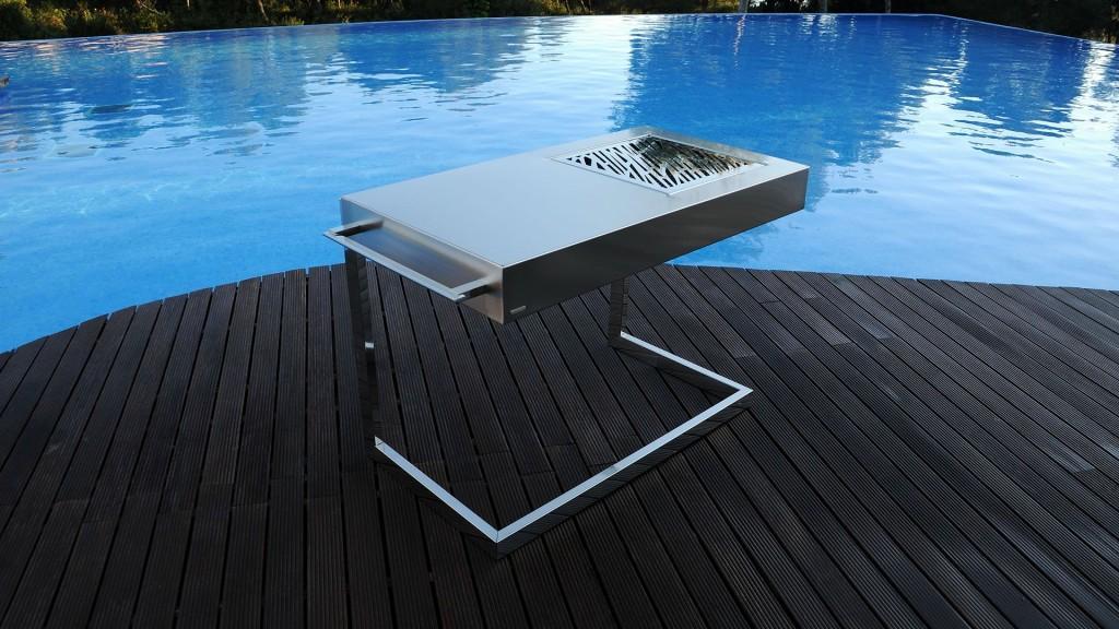 Mesa metálica com churrasqueira