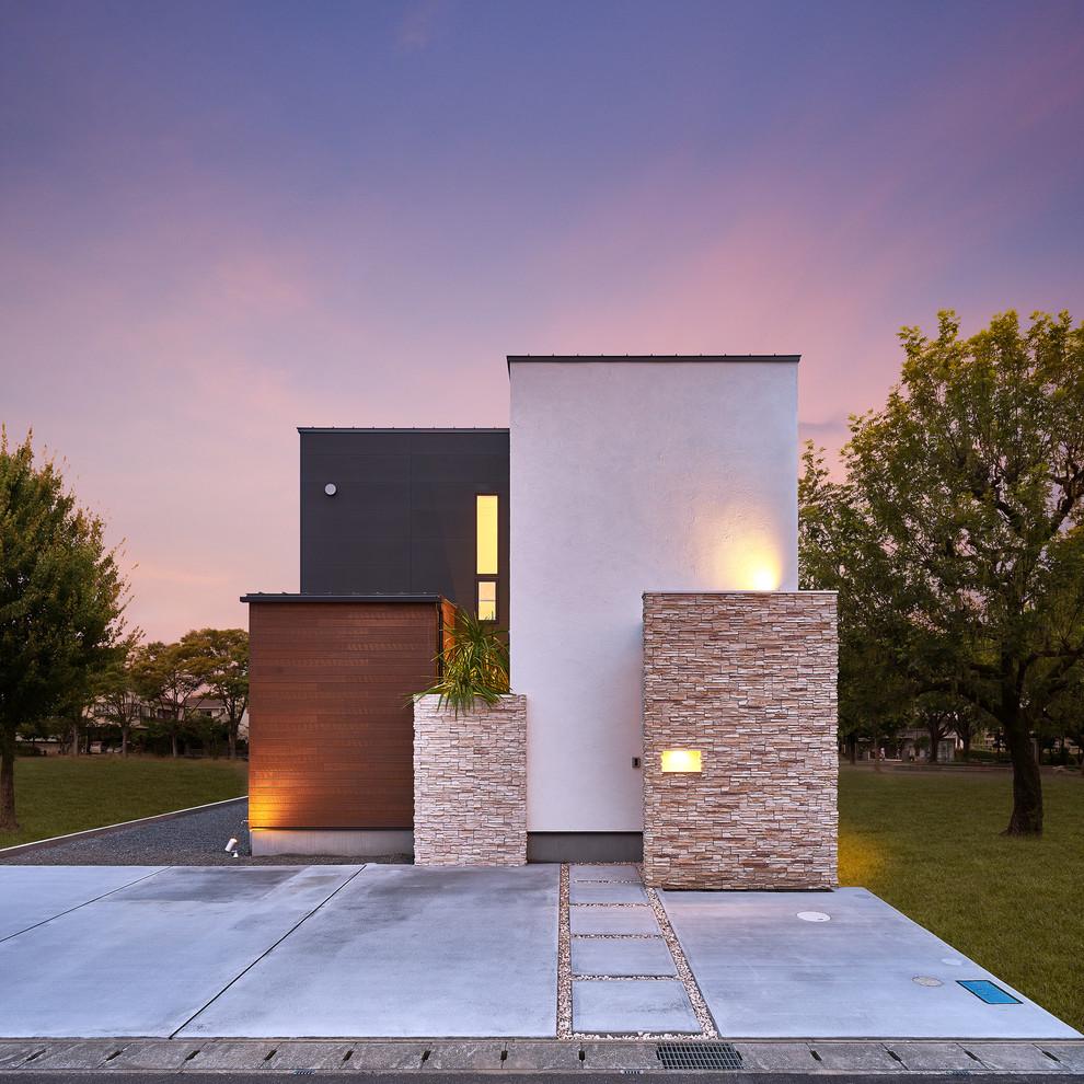 Casa pequena e bonita com muro de pedra canjiquinha
