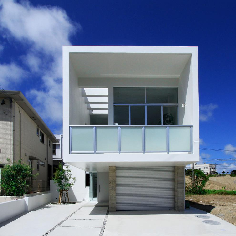 Exterior de uma casa bonita do tipo sobrado