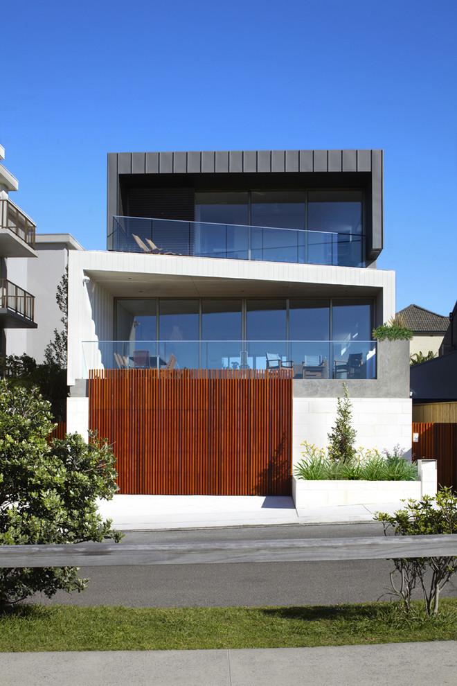 Casa bonita com pavimento na diagonal