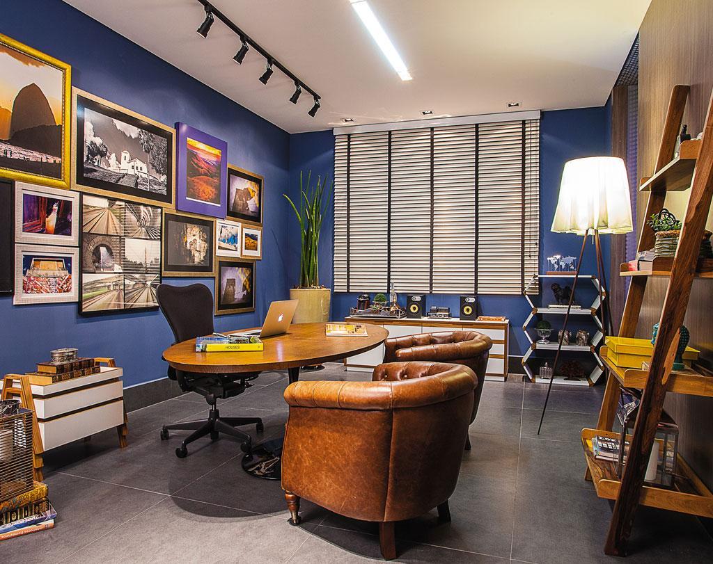 Home office com poltronas confortáveis