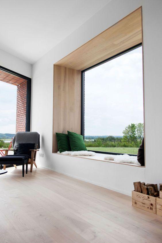 Nicho na janela para decorar e relaxar
