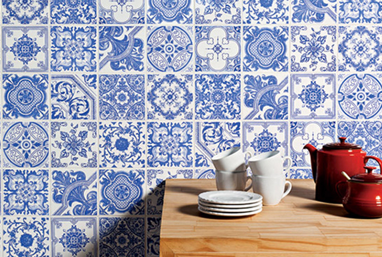 Imagem 21 – Banheiro com revestimento em azulejo português #254997 2896x1944 Banheiro Com Azulejo Amarelo