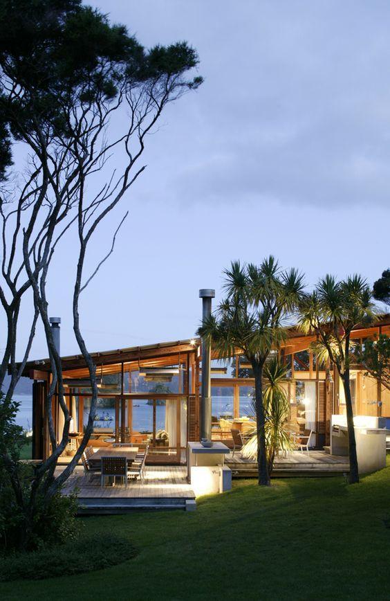 Casa com fachadas transparentes