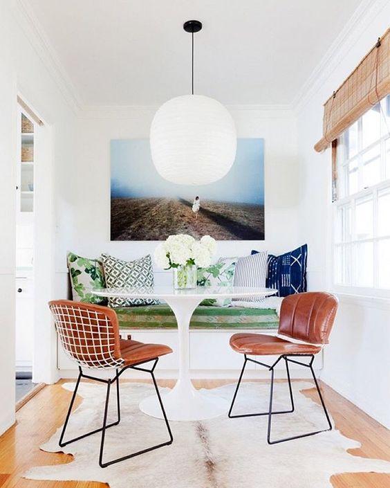 Cadeiras para sala de jantar com estofado em couro