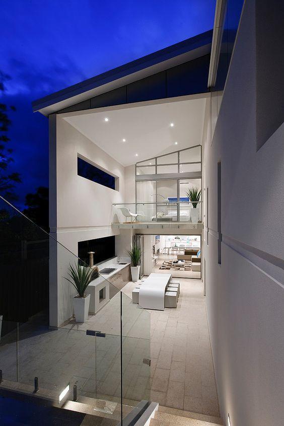 Casa clean com decoração branca