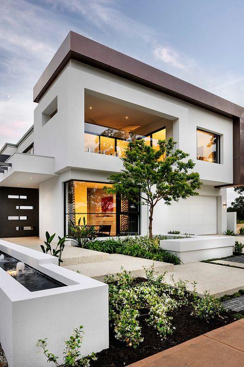 Casa bonita com entrada em níveis