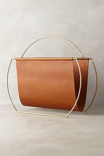 Revisteiro com design minimalista