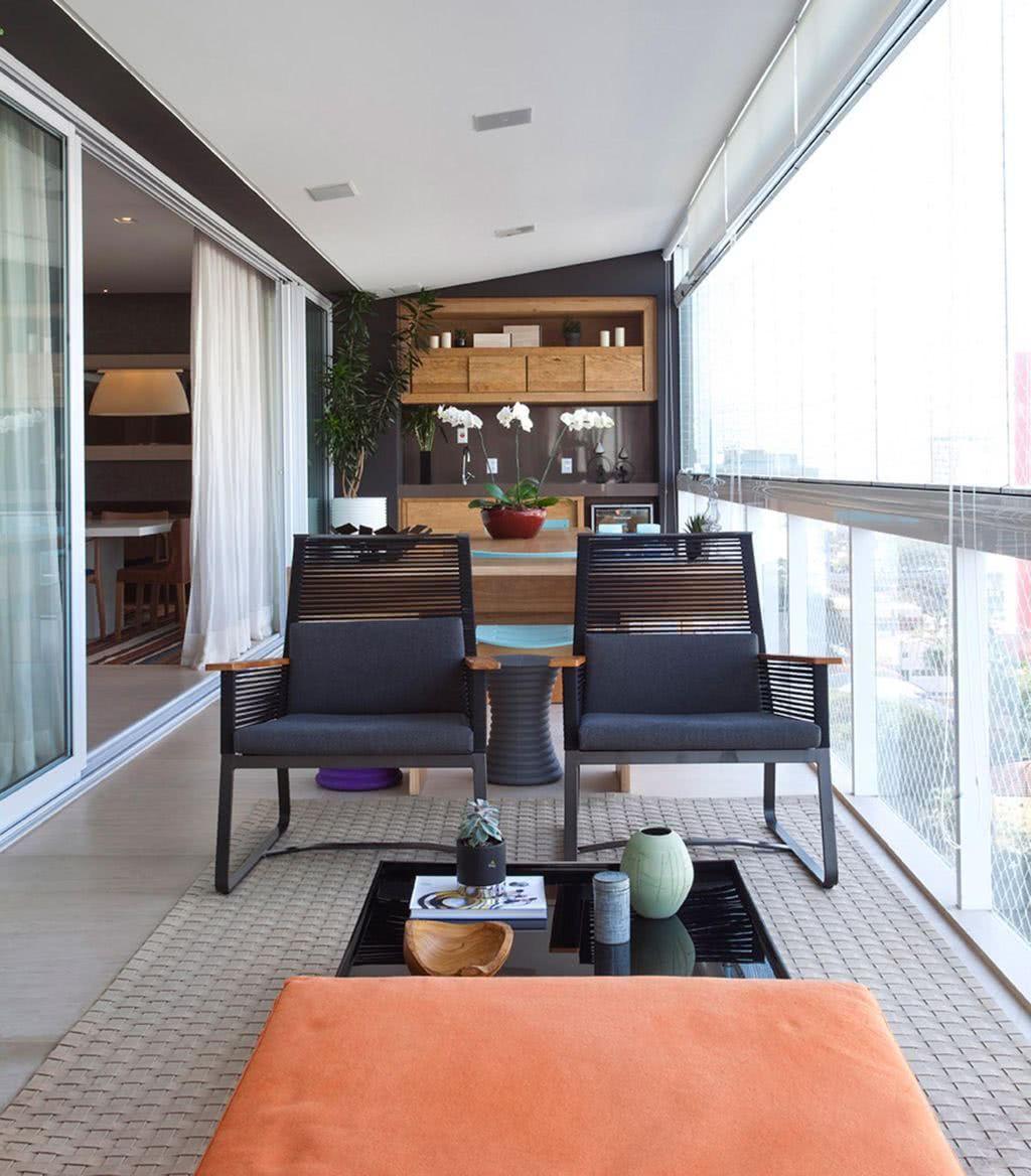 Proposta moderna de decoração com cadeiras de design