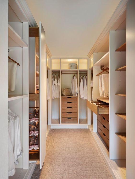Inclua um porta sapatos no projeto de seu closet