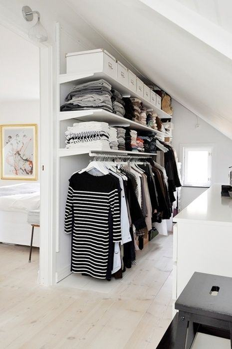 Que tal utilizar seu corredor para montar um closet?