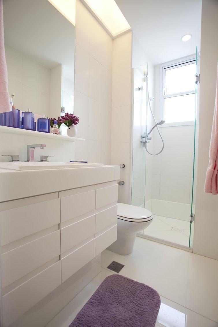 60+ Tapetes para Banheiros Fotos e Inspirações -> Armario Banheiro Lilas
