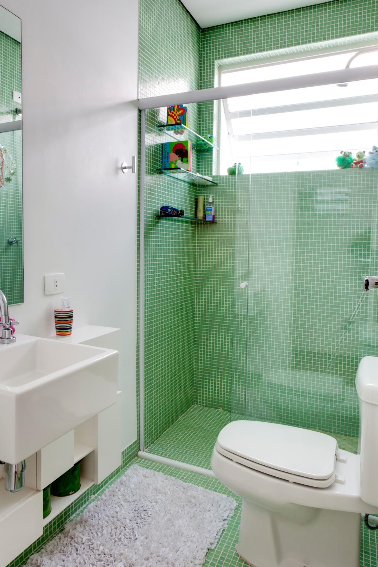 60 tapetes para banheiros fotos e inspira es for Decorar piso 56 m2