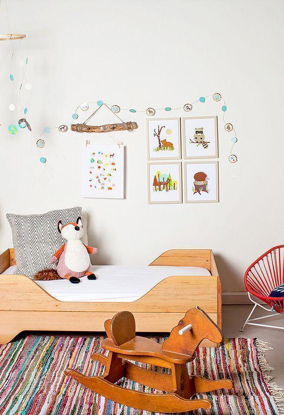 mini cama infantil 60 modelos e inspiracoes : Imagem 30 ? Cama infantil branca com detalhes em madeira