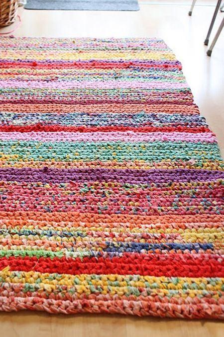 Tapete retangular com listras coloridas