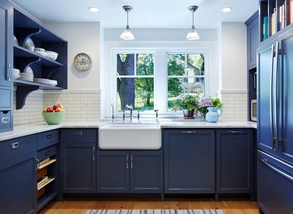 Resultado de imagem para Opção de armário de cozinha azul escuro