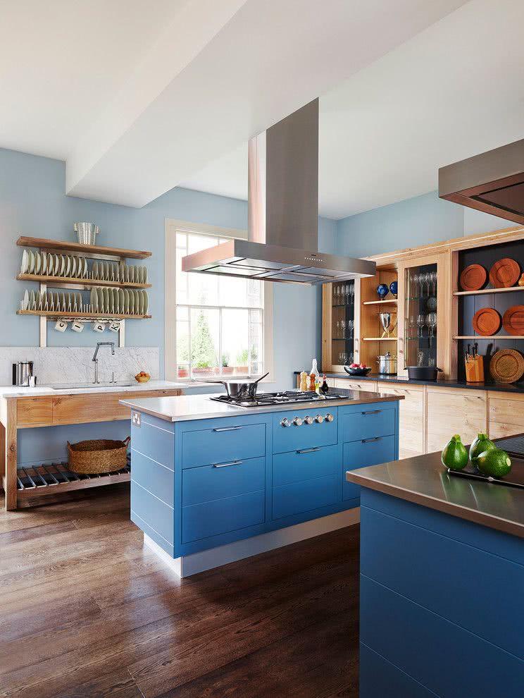 Cozinha azul: proposta com o azul na ilha central