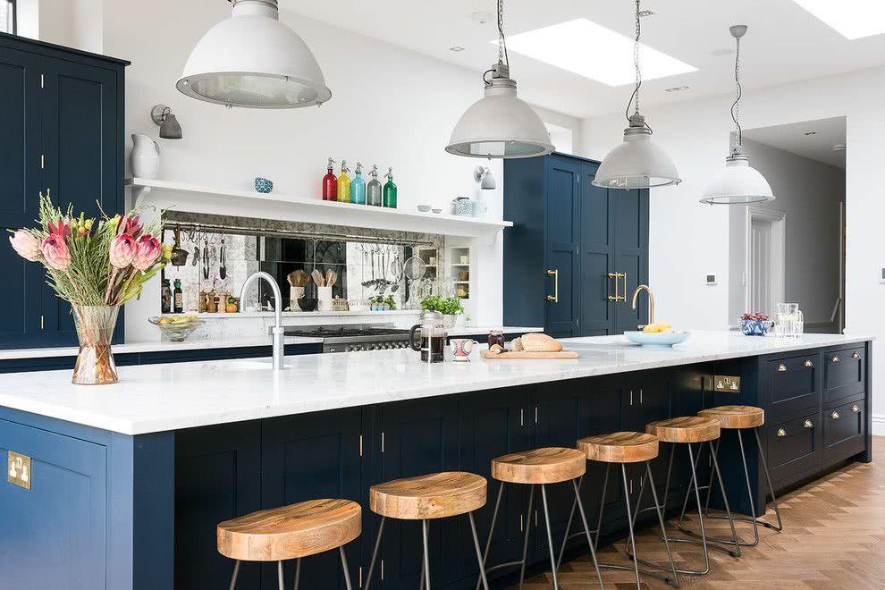 Cozinha azul: outra proposta que combina o azul navy