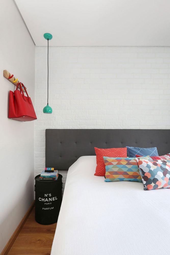 Decoração de quarto de menina simples e feminino